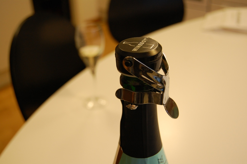 The Wineboy, my first love. Keeping the bubbles since 2012.