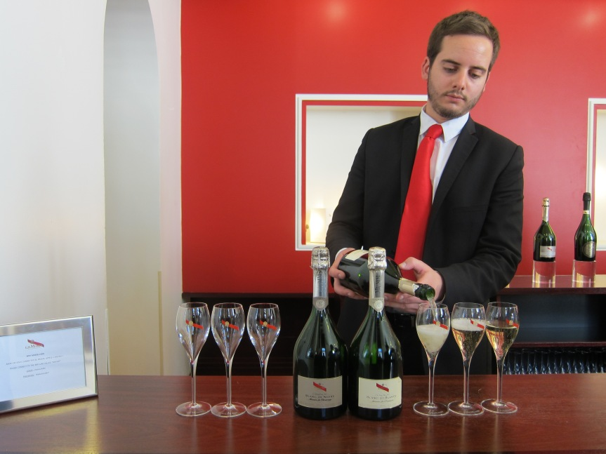 Pouring the Blanc de Noirs