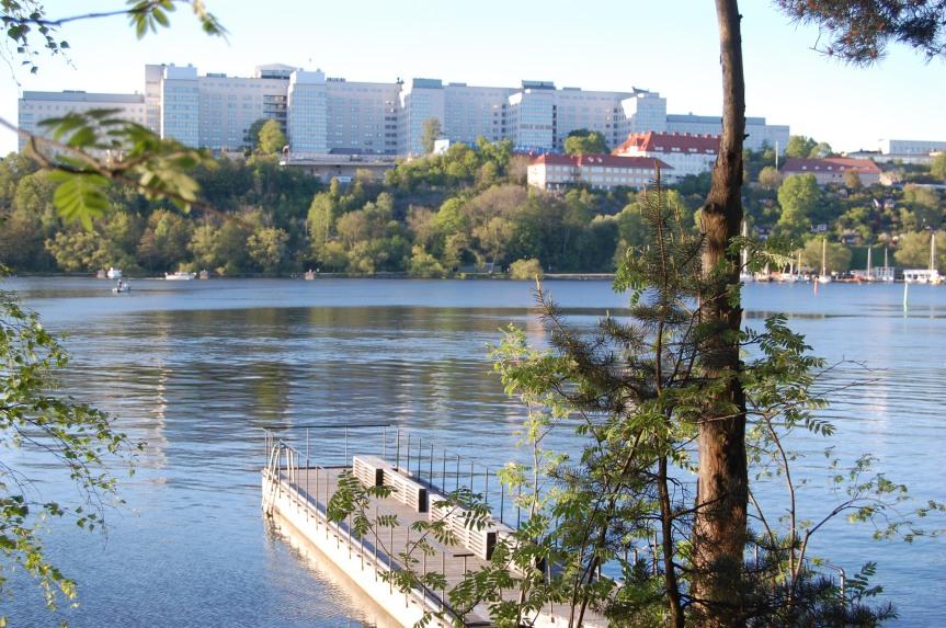 Taking a walk along Liljeholmen