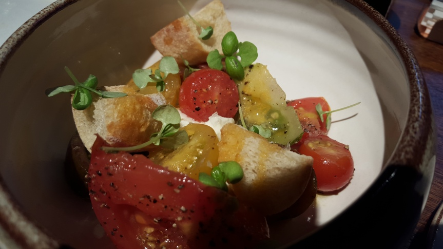 Heirloom tomato salad with (too little) burrata