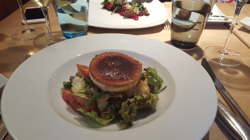 The classic: goats cheese salad with almond vinegarette