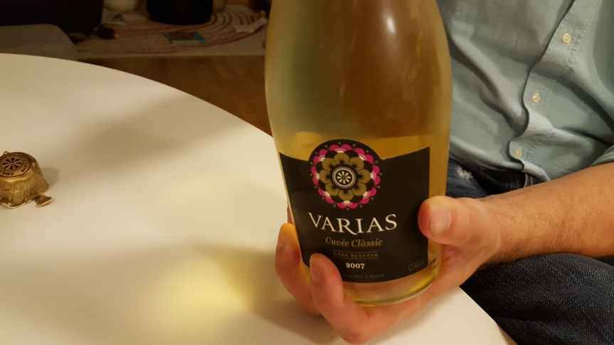Popping open a bottle of Varias for celebrating 7 days and counting to Cavatast