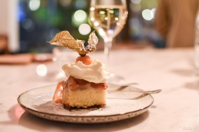 Apple cake with cream at Vina