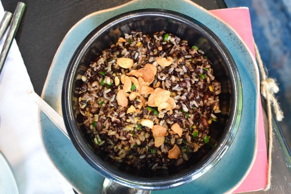 Brown and white rice with beans and garlic